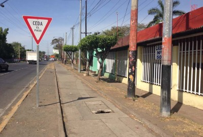 Highway stop for Tica Bus as it passes through Chinandega, Nicaragua